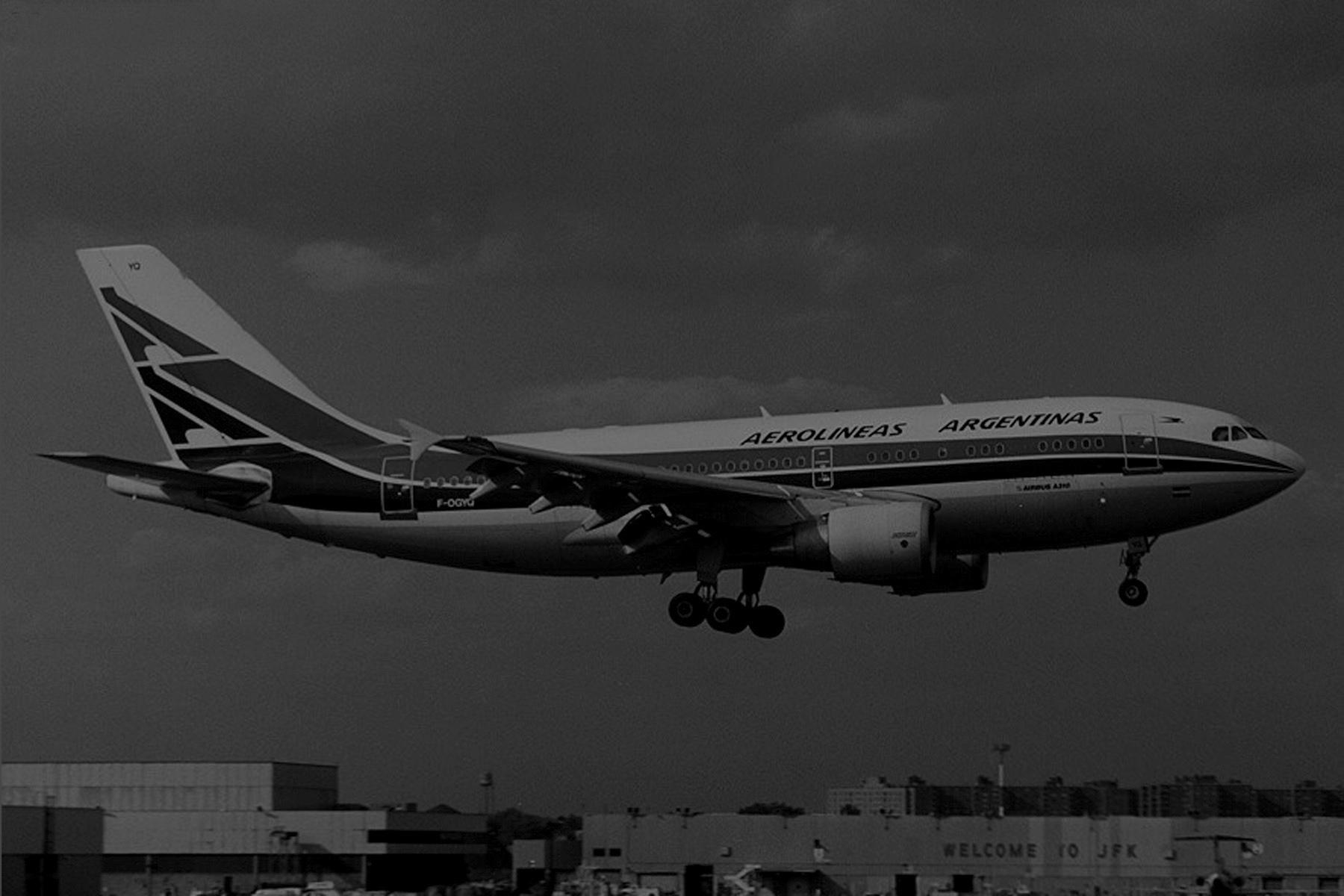 1990 - Charly Guevara - Ex empleado de Aerolíneas Argentinas